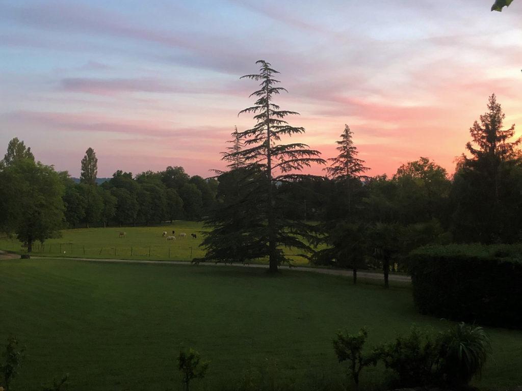 coucher de soleil sur chateau blanzac bordeaux